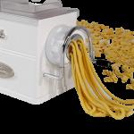 machine à pate blanche sort des pâtes
